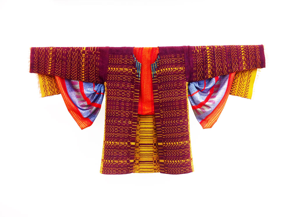 שורשי תרבות, ג'קט וחולצה. צילום: צופיה ג׳מבר