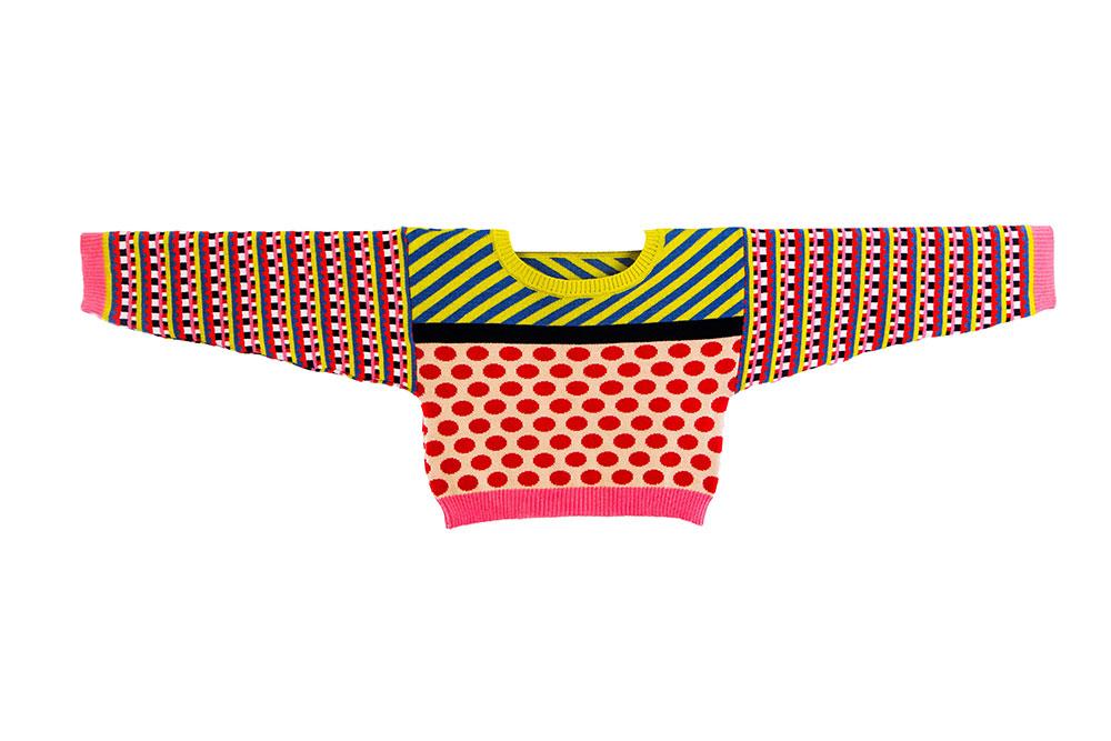 knitsters. צבעים רווים ועזים בקומבינציות לא שיגרתיות. חולצה מהקולקציה של בירנבוים