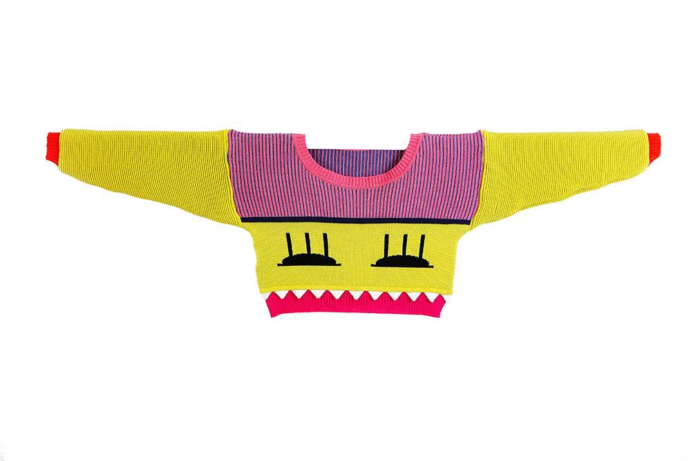 knitsters. חולצה סרוגה מפרויקט הגמר של מיראל בירנבוים
