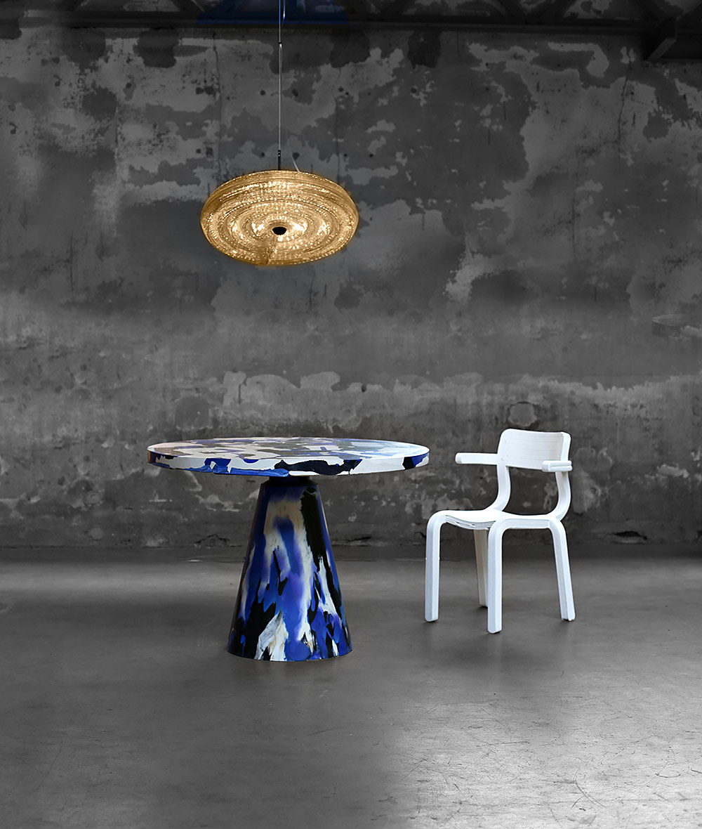 Melting Pot Table, rvr chair, Fresnel Suspending. השילוש הקלאסי שולחן, כיסא מנורה