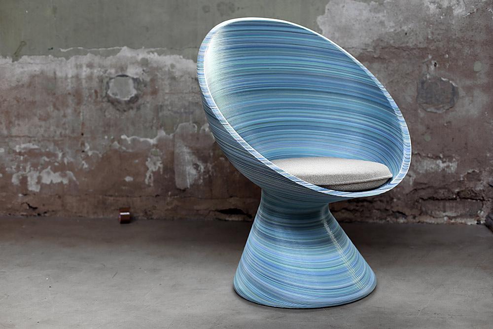 New Babylon Chair. הגרסה התכולה עם כרית ההלינגדל