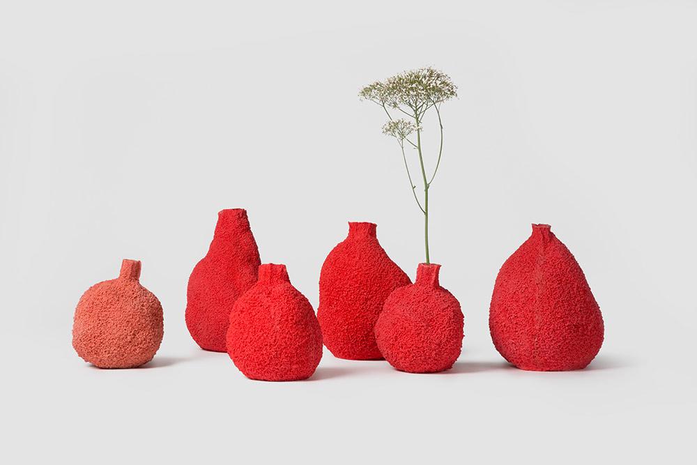 Else Coral Vases, מיכל פרגו ל-PCM. אגרטלי הפורצלן נוצקים בתבנית ספוג