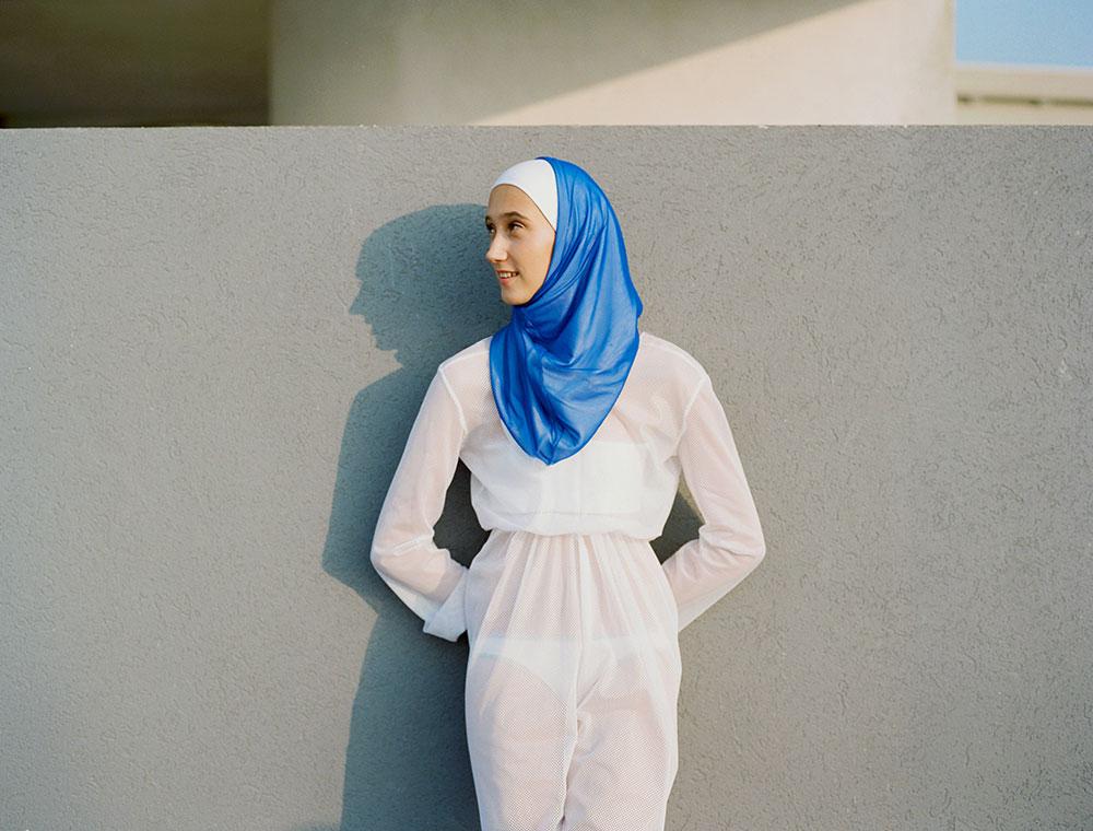 מתוך Israeli Girls, ספר האמן של הצלמת דפי הגאי