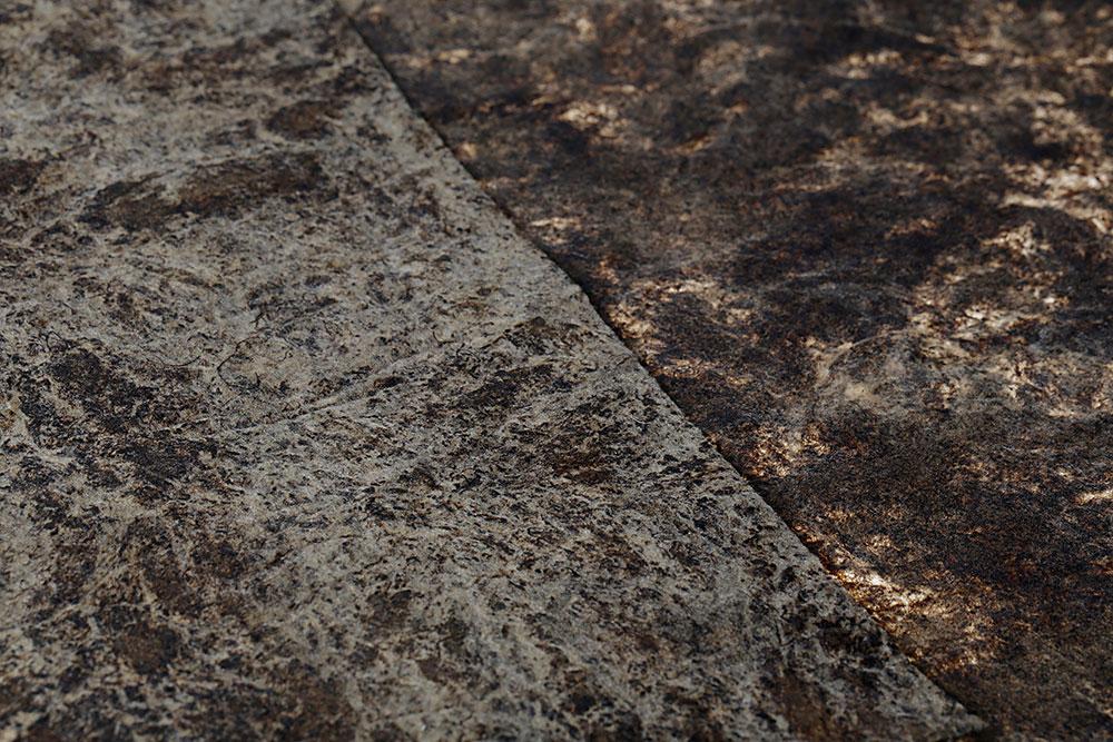 Wooden Leather, יריעות הטקסטיל מגלמי זחלי המשי שנצבעו בלכת פרופוליס