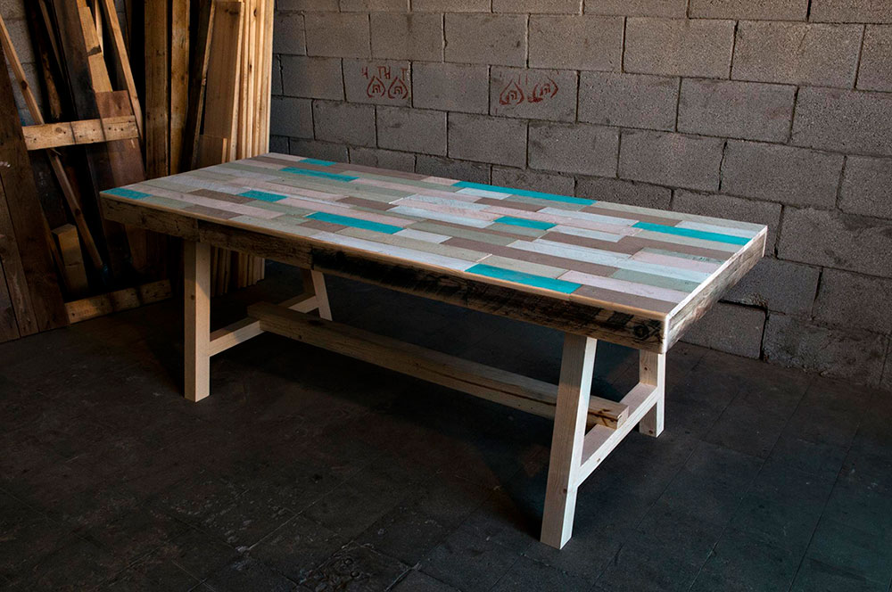 שולחן כפיסי עץ מלבניים בתכלת אפור חום ואפור בהיר