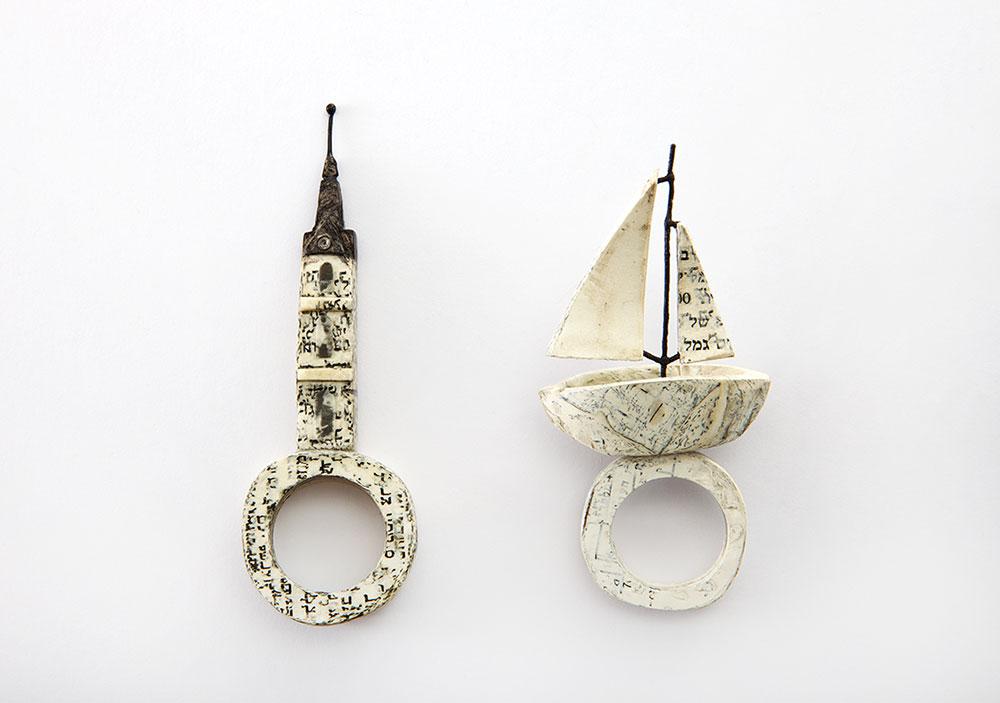 סירה, מגדל-שעון, אריאל לאביאן, טבעות. נייר, דבק פלסטי, מתכות, צבע אקריליק