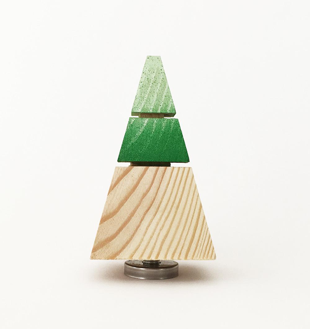 PYRAMID, מתלה קיר מעץ