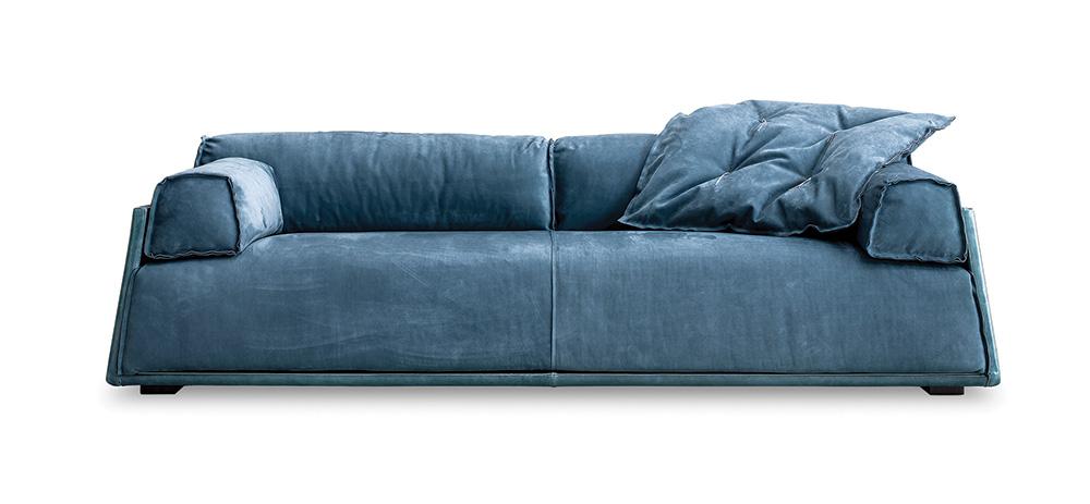 """Hard & Soft Slim. הספה שעיצבה נבונה ל""""בקסטר"""" צמצמה היקפים לטובת הדירות הקטנות. צילום: יח""""צ"""