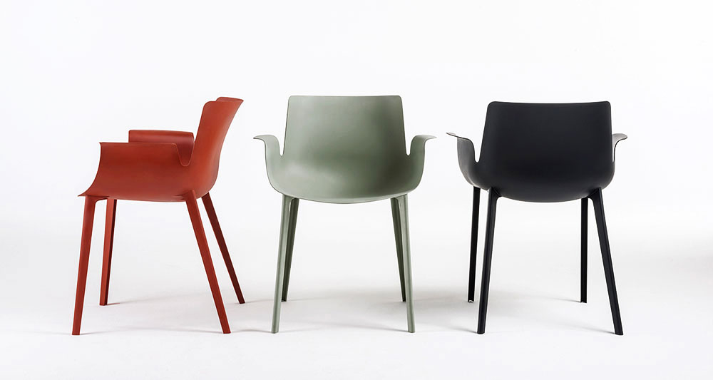 "Piuma chair, פיירו ליסוני ל""קרטל"". מהפכני. צילום: יח""צ"