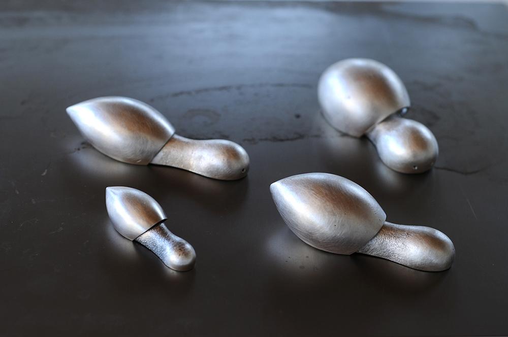 Curves, ארבעה אובייקטים מסדרת חמוקיים