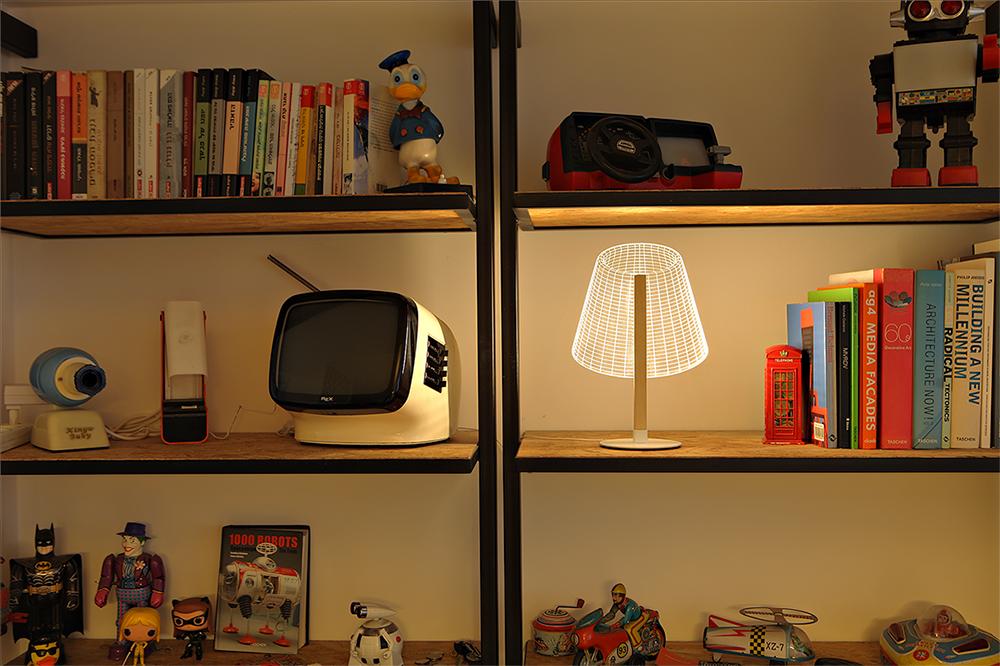 "CLASSi_library, דגם ""קלאסי"" בספריה"