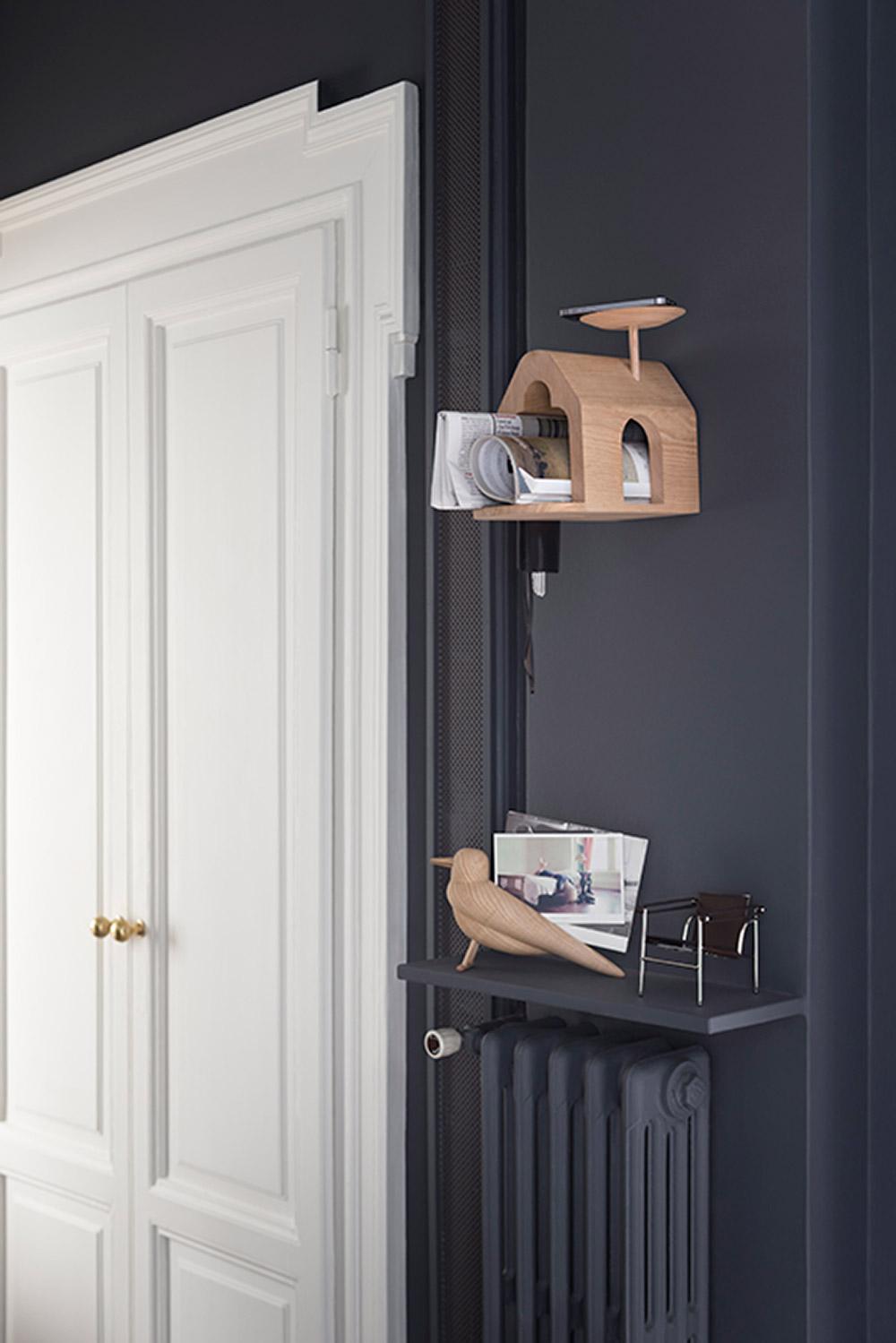 The Birdhouse ,The Bird. שניים משלושת האובייקטים שעיצב חיימה חיון בסדרה מוגבלת מעץ הפואולוניה