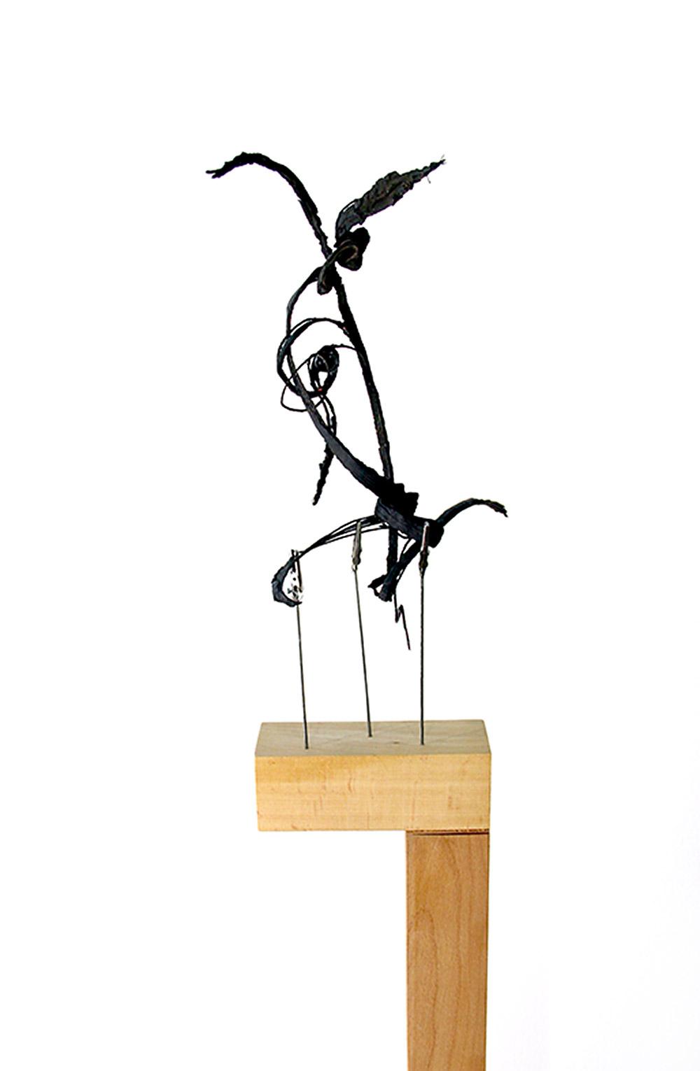 הצמיגים אוצרים תנועה גם כפסל