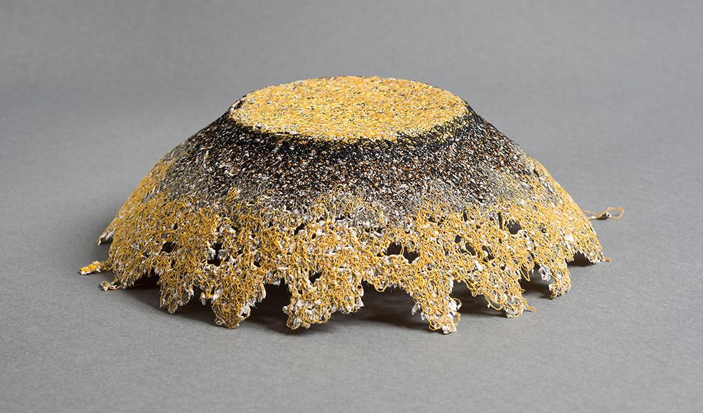 חואני מוקמל, יצירת אובייקט באמצעות תפירה תעשייתית
