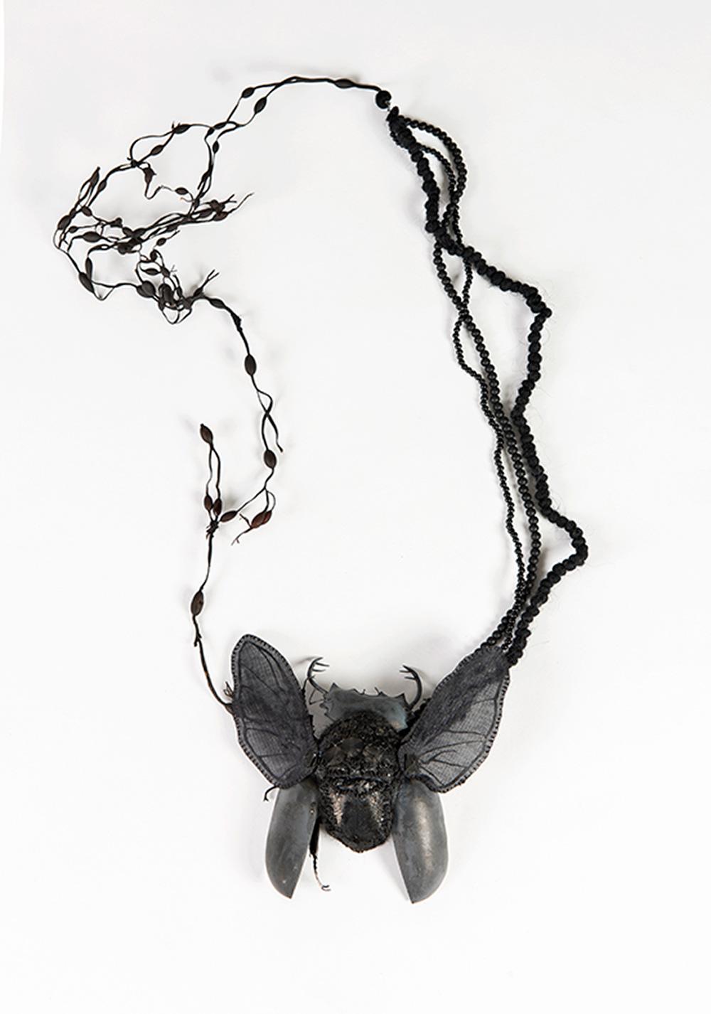 חיפושית הקרנף, נגה הראל