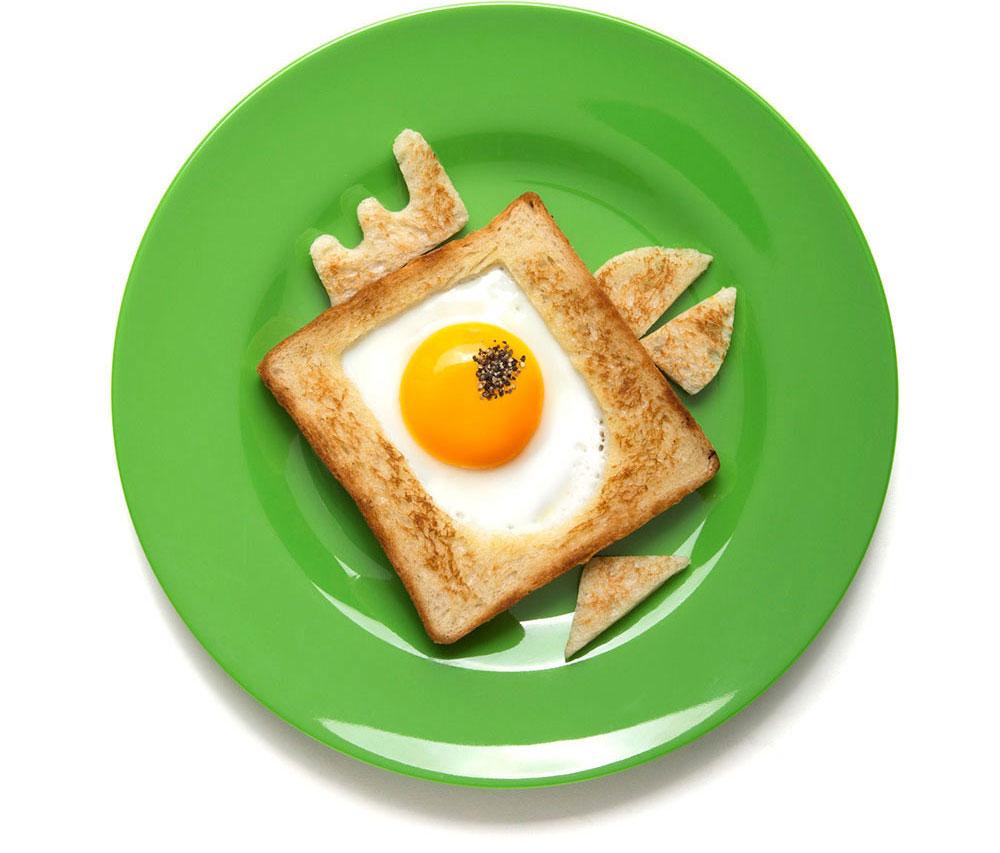 Bready Made, ביצה בקן בצורת ציפור עם עין מפלפל שחור
