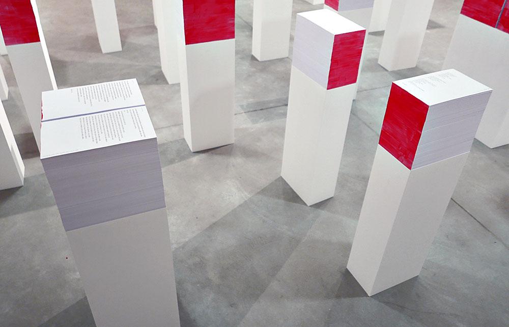 תערוכת עיצוב ללא אובייקטים, המציעה דרך התבוננות חדשה על החפץ, המעוצב בשירים באמצעות מילים