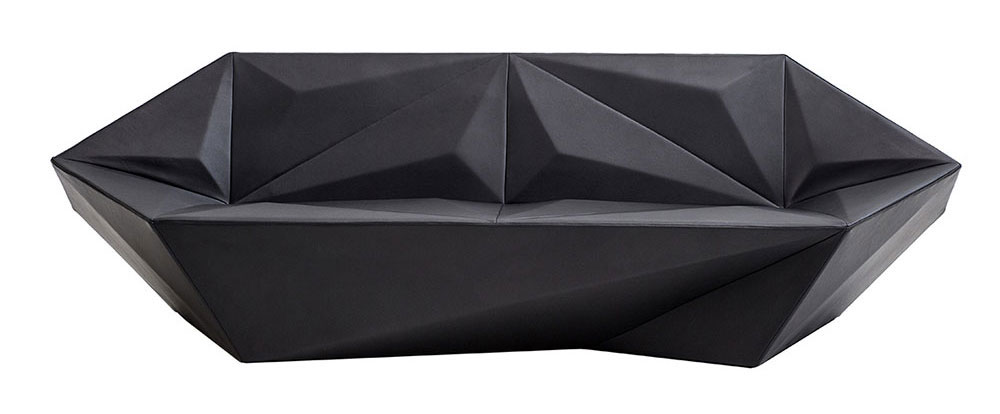 Gemma, הספה שעיצב דניאל ליבסקינד למורוסו - ריפוד העור השחור