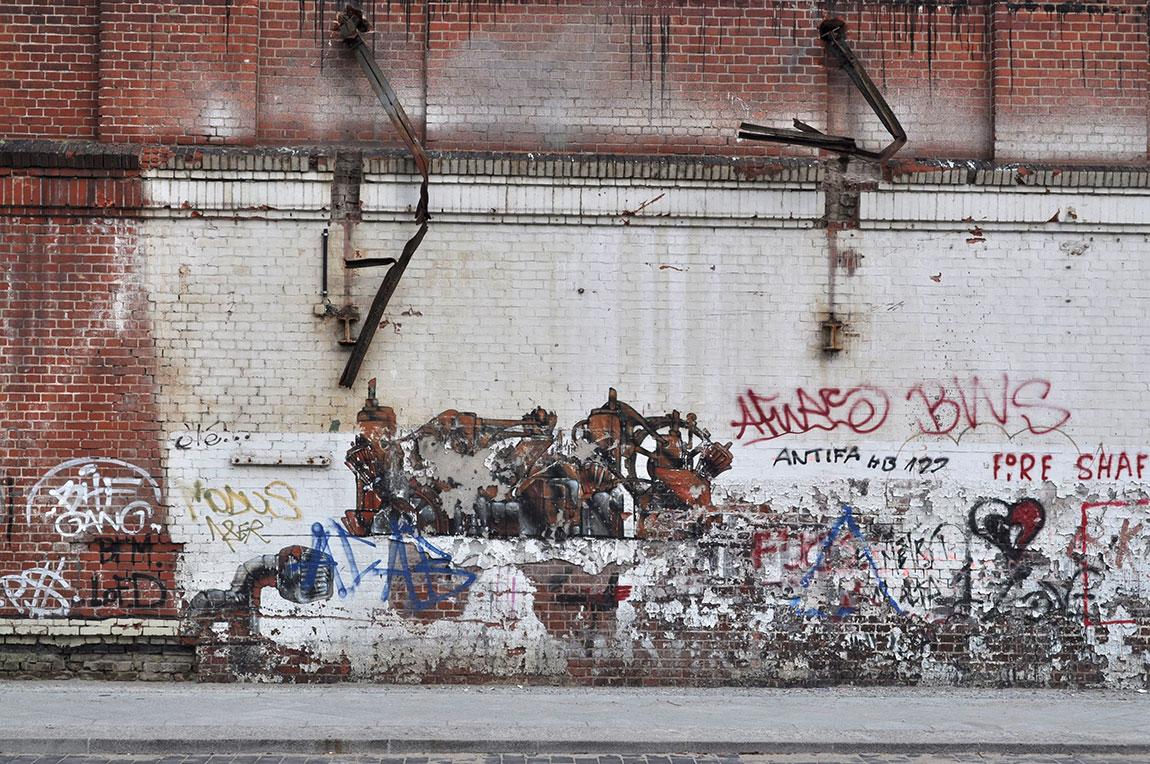 Jerusalem Berlin Bridge, תמונה ראשית, הגרפיטי על הקיר