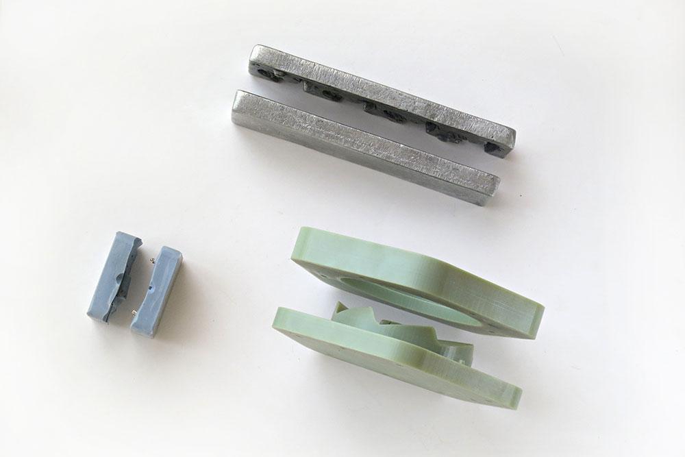 הירוקה היא תבנית להזרקת פלסטיק בהדפסת תלת מימד. צילומים באדיבות Reddish