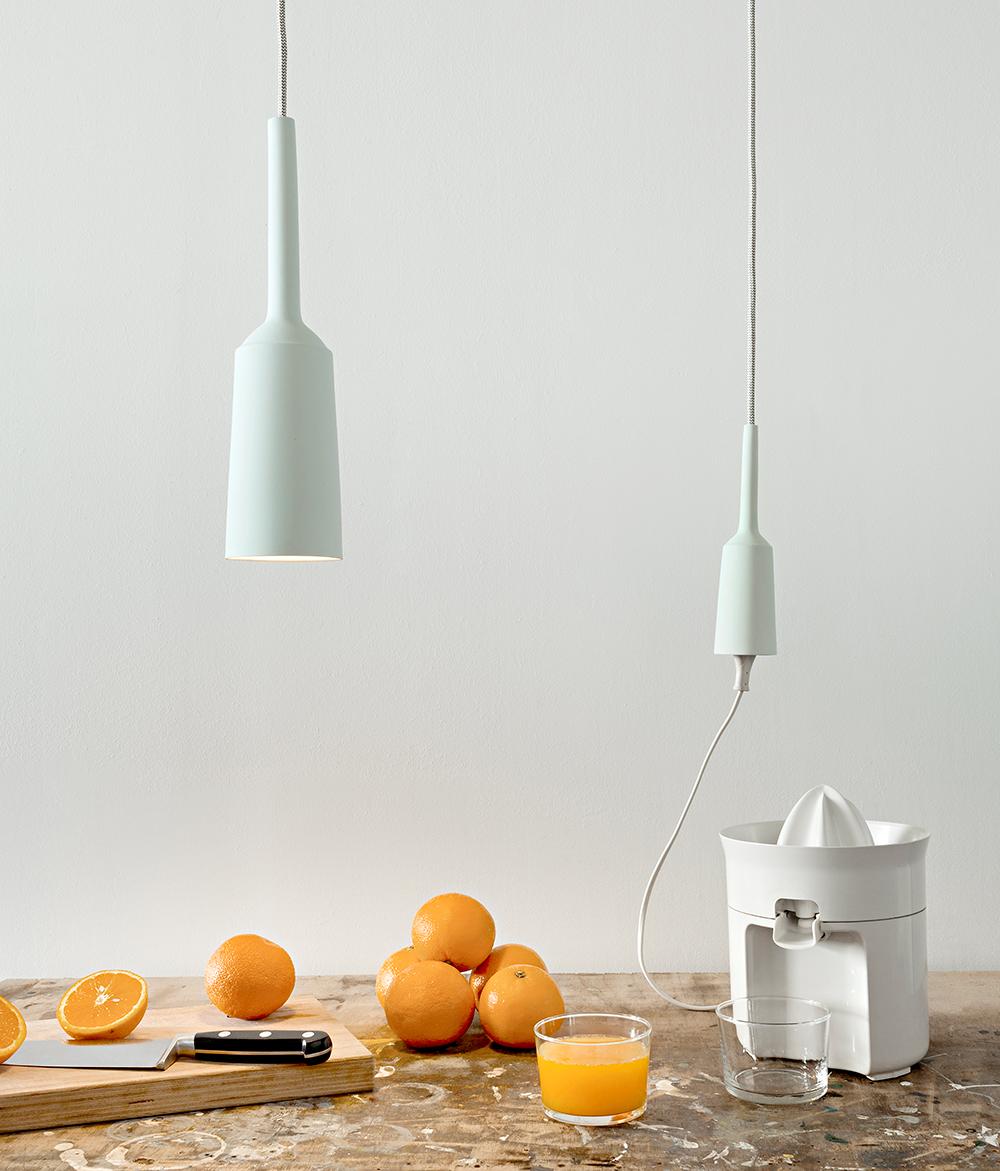 Lamp and Socket. צילום: Michiel Landeweerd