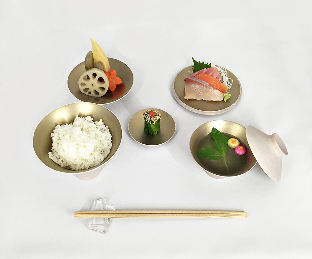 קעריות Tzumugi של אישיזאקי. כל כלי והמנה שלו
