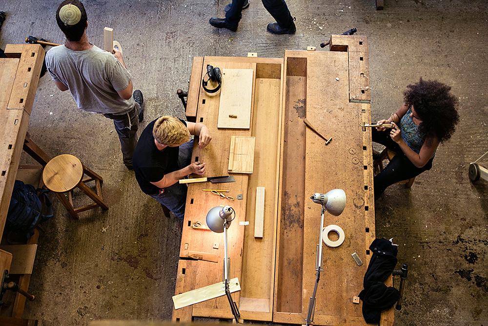 עץ לדעת, הסדנה. 30 בוגרים יציגו רהיטי עץ שנבנו בנגרות מסורתית