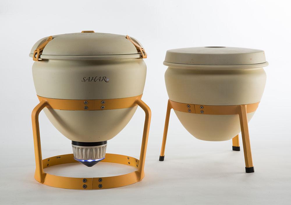 גיא פידמן רשף, סהר. מכשיר נייד לעיקור חלב הפועל על סוללה או פאנל סולרי. צילומים: עודד אנטמן