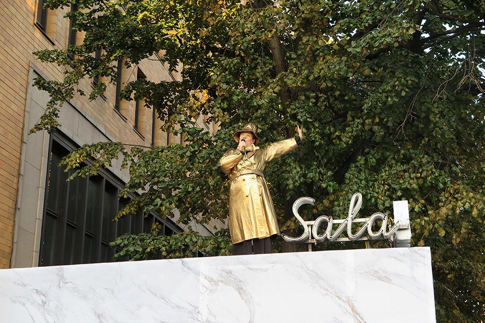 הפסל הסודי. לורה סרבילינה, המנהלת האמנותית של יריד העיצוב הפיני הביטארה