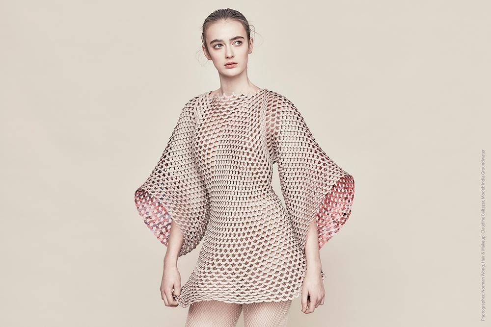 Shape Shifters, אנג'לין לורה פנוטה. עקרונות מודולריים מאפשרים יצירת בגד דינמי ומשתנה. מארבע העבודות הזוכות ב-2016
