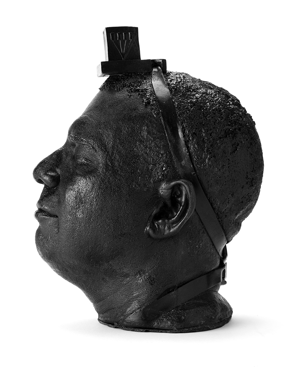פסל הראש של וייס עם תפילין