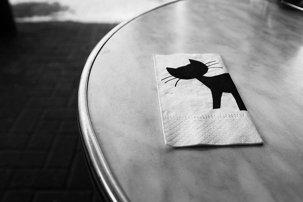 נורית ירדן, חתול שחור לבן, הדפסת צבע, 2014