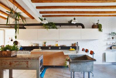אביב שני, דירה בברצלונה, ארונות המטבח, תמונה ראשית