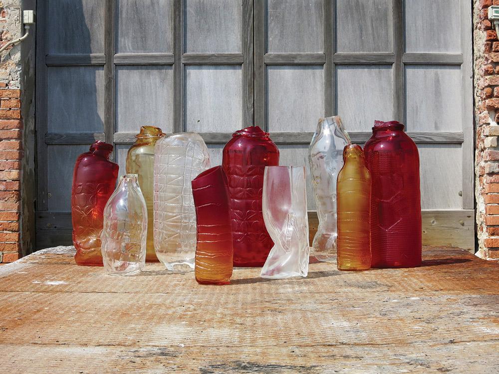 BTM 02, זכוכית בניפוח ותבניות עם פאטרנים מסורתיים של בדי קטיפה ונציאניים