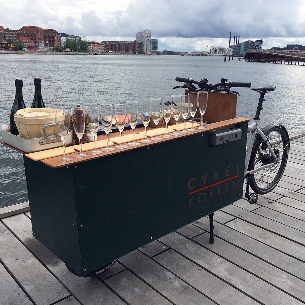 אופני סיור הצדפות של וולף. 5 מנות של פירות ים ומפגש עם מנהלי תעשיית הצדפות המקומית